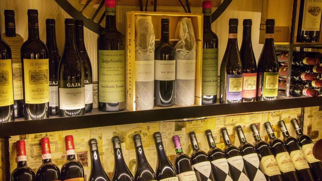 Restaurant-Ad-Hoc-Rome-bottles-of-wine-4